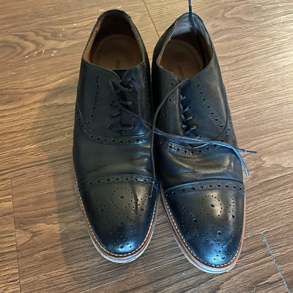 Johnston and Murphy dress shoes
